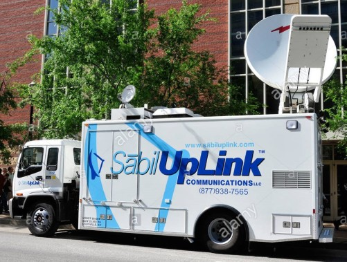 uplink-satellite-communications-transmission-dish-on-a-mobile-tv-truck-B19Y1W